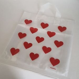 """🆕 NEW 10 pcs Hearts Clear Shopping Bags 11.25"""" Height x 12"""" inches Width Inside"""